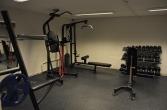 Nylig oppusset treningsrom er tilgjengelig enkelte dager i uken